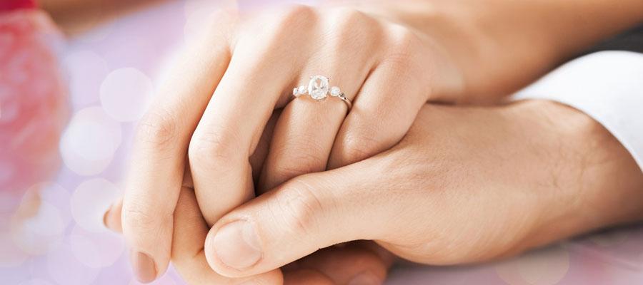 Offrir une bague de fiançailles